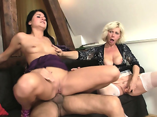 brunette blonde blowjob